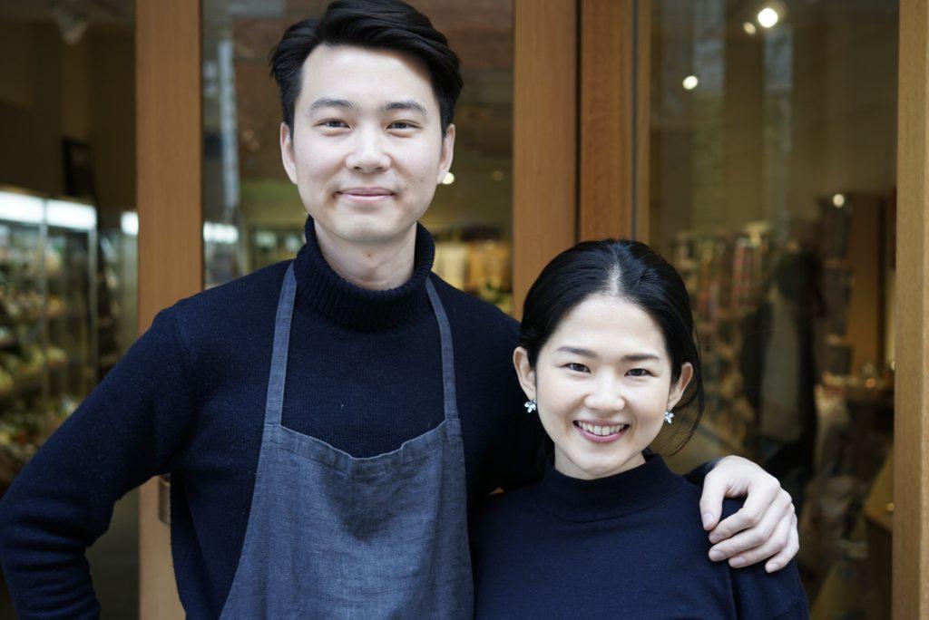 (左) 白 冰さん(右)奥様であり、取締役兼バイヤー谷田部 摩耶 さん